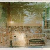 Sabine Hornig (*1964) Der zerstörte Raum, 2006 C-Print hinter Plexiglas, 125 x 220,4 cm © Sabine Hornig / VG Bild-Kunst, 2012
