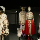 Ausstellungsansicht The Vulgar: Fashion Redefined, Barbican Centre, 2016 Foto: © Belvedere, Wien