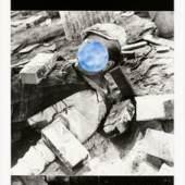 Falling Star, 1989-1990 Aquatinta und Photogravur auf Papier | aquatint and photogravure on paper 2018 erworben von | acquired by PIN. Freunde der Pinakothek der Moderne für die Sammlung Moderne Kunst |for the Modern Art Collection © courtesy of John Baldessari Estate
