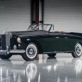 """Another highlight of the Orin Smith Collection,  the 1958 Rolls-Royce Silver Cloud I Drophead Coupe """"Honeymoon Express"""" by Freestone & Webb (credit – Darin Schnabel © 2017 courtesy RM Sotheby's)"""