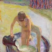 Pierre Bonnard, Akt mit Badezuber, 1918, Nu accroupi au tub, Öl auf Leinwand, 85×74 cm, Musée d'Orsay, Paris. Donation Zeïneb et Jean-Pierre Marcie-Rivière, 2010 © Musée d'Orsay/RMN