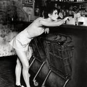 Steffi Graenitz  Leipzig *1964  MODEPHOTOGRAPHIE, BERLIN. 1990. Vintage, Silbergelatineabzug. SCHÄTZPREIS 600,00 EUR