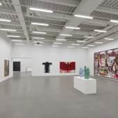 Innenansicht Moderne Galerie, Trakt B © VG Bild-Kunst, Bonn 2017 für Jonathan Meese, Hermann Nitsch, Antoni Tapiès, Günther Förg © Arnulf Rainer/Gregor Hildebrandt, Russell Maltz.  Foto: Saarlandmuseum/Felix Krebs
