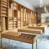 Kunsthaus Zürich, Chipperfield-Bau: Shop. Ausführung Tische und Regale in Eiche