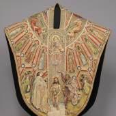 Kasel des Meßornats des Ordens vom Goldenen Vlies (Vorderseite) Um 1430/40 L. 149,5 cm, B. 135,5 cm © KHM-Museumsverband