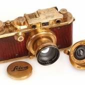 """Luxus"""" Leica mit Reptilienleder und zwei Objektiven aus dem Jahre 1931 (Schätzpreis 250.000 – 300.000 Euro). Ergebnis: 528.000 Euro © WestLicht Auction"""