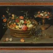 Jan Brueghel d. J (1601 Antwerpen - 1678 ebenda) Blumenkorb und Tazza auf einer Tischplatte, Mindestpreis:75.000 EUR