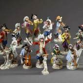 """18 Diverse Figuren aus der Meissen """"Affenkapelle"""", farbig bemalt Aufrufpreis:5.500 EUR"""