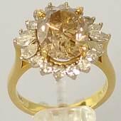 REPRÄSENTATIVER DIAMANTRING grosser, ovaler, natürlicher Diamant in transparentem hellem Gold-Braun als Farbton, Mindestpreis:12.000 EUR