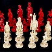 Georg III Schachspiel, China fr. 19. Jh.  Elfenbein, geschnitzt, zur Hälfte rot gefärbt, sehr fein geschnitzte Figuren mit reich ornamentierter Kleidung, Aufrufpreis:4.700 EUR