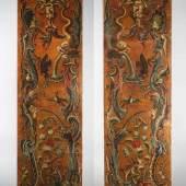 Paar spätbarocke Ledertapeten zwei dekorative Paneele geprägter Goldledertapete als Pendants Mindestpreis:9.000 EUR