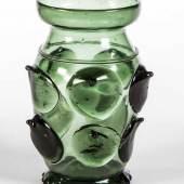 Bedeutender Krautstrunk Deutschland, 15. Jh. Tauchfund. Grünes Glas. Schätzpreis:10.000 - 15.000 EUR
