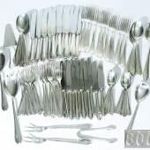Großes Tafelbesteck. BRUCKMANN & SÖHNE, Heilbronn. 800er Silber, Form Modell Chippendale 1925, frontal monogrammiert. Insgesamt 92 Teile, Mindestpreis: 700 EUR