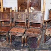 """Garnitur aus acht """"Sedia""""-Speisezimmerstühlen der Renaissance, Florenz 16./17. Jh., Schätzpreis:7.000 - 8.000 EUR"""