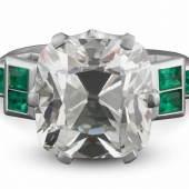Bedeutender Diamantring Art Déco, um 1925-1930 Platin, 8,4 g. Hochkarätiger Ring, ausgefasst mit selten-großem Diamant im antiken Kissenschliff, 10,01 ct. J-VS2. Schätzpreis:65.000 - 75.000 EUR