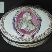 Tabatiere mit Porträt des Kurfürsten Maximilian III. Joseph von Bayern um 1770 (Gründer der Porzellanmanufaktur NYMPHENBURG im Jahre 1747).  Mindestpreis:1.900 EUR
