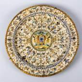 Seltene große Renaissance-Platte Majolika-Scherben.  Aufrufpreis:3.000 EUR
