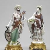 1. Ein seltenes Malabaren-Paar aus Meissner Porzellan, modelliert von Johann Friedrich Eberlein um 1746, ausgeformt und staffiert in Meissen um 1755, wird bei Kunsthandel Röbbig aus München auf der 9. Ars Nobilis zu sehen sein. Ein weiteres Figurenpaar befindet sich heute im Rijksmuseum in Amsterdam.
