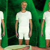 Bjørn Melhus, Again & Again (The borderer)(Filmstill)1998, 1-Kanal-Videoinstallation,(Farbe, Ton), auf 8 Monitoren, Courtesy Sammlung Goetz, Medienkunst, München