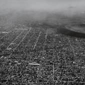 Balthasar Burkhard, Mexico City (Vulkan), 1999 Fondation Cartier pour l'art contemporain, Paris © Estate Balthasar Burkhard, 2017