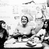 Michael Horowitz: Arnold Schwarzenegger, 1975  Hahnemühle Fine Art Baryta Print (© Michael Horowitz)