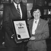 Mit LA Mayor Tom Bradley_1981 (c) James Forsher Estate
