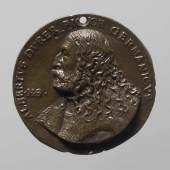 Porträtmedaille auf Albrecht Dürer (1471–1528) (226 KB) Hans Schwarz (Augsburg um 1492/93 – 1527 oder danach, wohl Augsburg) Undatiert (1520) Bronze (Guss) Inv.-Nr. 12481bβ ©KHM