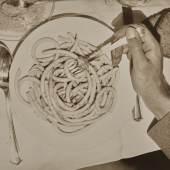Irene Bayer-Hecht (1898‒1991), Makkaroni, vor 1928, Silbergelatinepapier, 12,4 x 16,7 cm, Museum Folkwang, Essen, © unbekannt