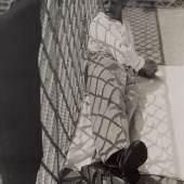 László Moholy-Nagy (1895–1946), Oskar Schlemmer in Ascona, 1926/27, Silbergelatinepapier, 23,5 x 17,5 cm, Berlinische Galerie – Museum für Moderne Kunst, Public Domain, Foto: Anja Elisabeth Witte
