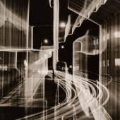 Heinz Hajek-Halke (1898-1983), Nächtliche Großstadt, 1951, Silbergelatine, 29,3 x 23,5 cm, © Heinz Hajek-Halke/Collection Michael Ruetz/Agentur Focus