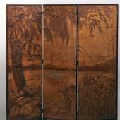 Georg Hulbe (1851-1917), Landschaft mit Weide und hamburgähnlicher Stadtsilhouette, Hamburg, um 1900, Holz und Leder, © Museum für Kunst und Gewerbe Hamburg