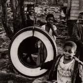 Thomas Hoepker (*1936), Slums in Montgomery, Alabama, 1963, Silbergelatineabzug, 48,6 x 33,4 cm, © Thomas Hoepker/Magnum Photos