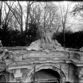 Der Skulpturenschmuck der Neptungrotte im Park Sanssouci in den 1930er Jahren. Foto: SPSG