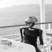 Jean Stein, 1998 Hotel Du Cap, Eden Roc, Cap D'Antibes, France © Brigitte Lacombe