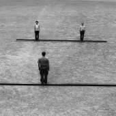 Franz Erhard Walther (*1939) - Zwei Strecken, eine halbiert, 1975