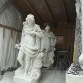 Odysseus wartet auf seine Heimkehr: Ada und Frank Kösler fertigten die Kopie (vorn) der nicht mehr erhaltenen Originalskulptur von Leonhardt Storch an (Gipsmodell im Hintergrund). Foto: SPSG