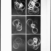 Eine Geste wird belichtet,Teil 2, 2012 Einer von 4 analogen SW-Barytprints, je 106x86 cm © Anja Manfredi