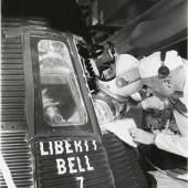 Mercury-Kapsel Liberty Bell, Astronaut Gus Grissom, rechts John Glenn 21.7.1961 © Fotomuseum WestLicht Wien