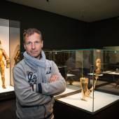 Peter Husty in der Schatzkammer © Salzburg Museum / Helge Kirchberger Photography