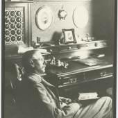 Peter Rosegger in seinem Arbeitszimmer in Krieglach, Fotograf: F. J. Böhm, um 1910, Universalmuseum Joanneum, Multimediale Sammlungen