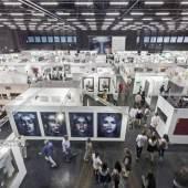 @Die Fotografen - Auf der ersten ART SALZBURG CONTEMPORARY & ANTIQUE INTERNATIONAL präsentierten über 40 Galerien aus ganz Europa zeitgenössische Kunst sowie Werke der Klassischen Moderne und eine kleine Auswahl an Antiquitäten.
