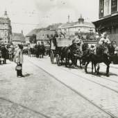 Graz, Einrücken der 27er, 1914,  Dr. Fritz (Friedrich) Kunzelmann,  Inv.-Nr. PL032138 (Multimediale Sammlungen / UMJ)