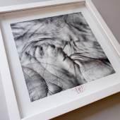 Bildtext / Fotocredit: HANDS OF HEAVEN, Hände einer vierköpfigen Familie, gerahmt, 30 x 30 cm© Andorrer 2020