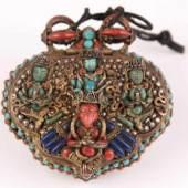 Prunkvoller Amulettbehälter/ kleines Gau - prächtige Ausführung in Silber, teils vergoldet, Aufrufpreis:25.000 EUR