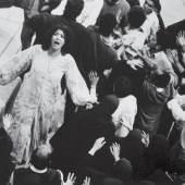 Shirin Neshat Possessed, 2001 Videostill © Shirin Neshat, Collezione Sandretto Re Rebaudengo, 2013