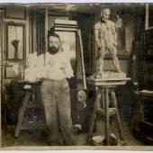 Hans Marsilius Purrmann, Matisse pose dans son atelier, 1900–1903 Archives Henri Matisse, Issy-les- Moulineaux, © 2019 ProLitteris, Zurich