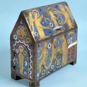 Reliquienkästchen Metall mit Holzkern, farbiges Champlevé-Emaille (leicht besch.) Mindestpreis:12.000 EUR
