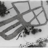 Robert Petschow, Eisbahn auf Schlossteich, um 1930, © Urheberrechte am Werk erloschen