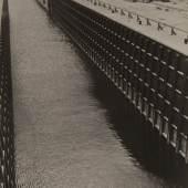 Alexander Michailowitsch Rodtschenko, Die Schleuse, Weissmeer-Kanal, Übergang in den Onega-See, 1933, Privatsammlung, Moskau © 2015, ProLitteris, Zürich