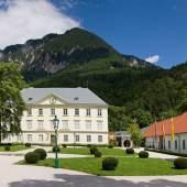 Schloss Reichenau im Sommer (c) reichenau.at